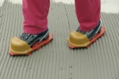 Обувь для хождения по плиточному клею.