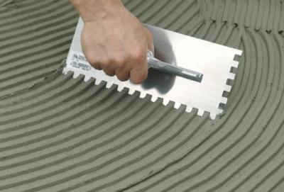 Шпатель для нанесения плиточного клея